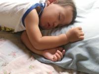 昼寝で寝ない子に効く!寝かしつけ3つのコツ