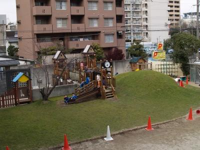 【大阪府・東三国】綺麗な保育園です!幼稚園併設の認定こども園で0歳児から2歳児までを担当していただきます!駅から4分!