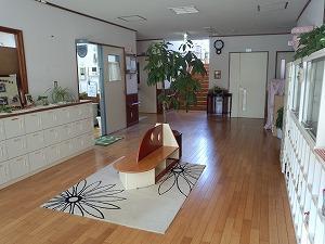 [糀谷 公民認可園]0~2歳児の保育業務です。保育室も広いですが、職員用の休憩室も広いです!福利厚生充実の働きやすい環境の園で活躍しませんか?
