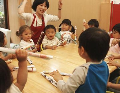 [都立大学 認証]乳児中心の定員32名★住宅手当など待遇面が充実! 少人数保育で子ども主体の保育が出来ます ◎英語力を活かしたい方も大歓迎です♪