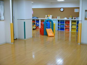 [原木中山 認可外]幼児教育と縦割り保育が特色の保育園です