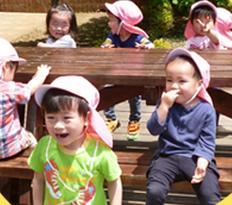 [板橋本町 認証]月給23万~☆ 駅から徒歩2分&0~2歳メイン・定員32名の小規模園◎ 福利厚生が充実!年間休日数が増えました♪ 子どもとじっくり関われます☆